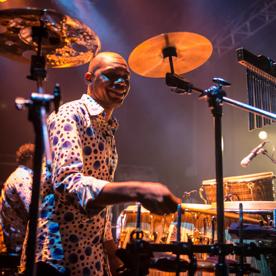 Willy Ombe : percussions