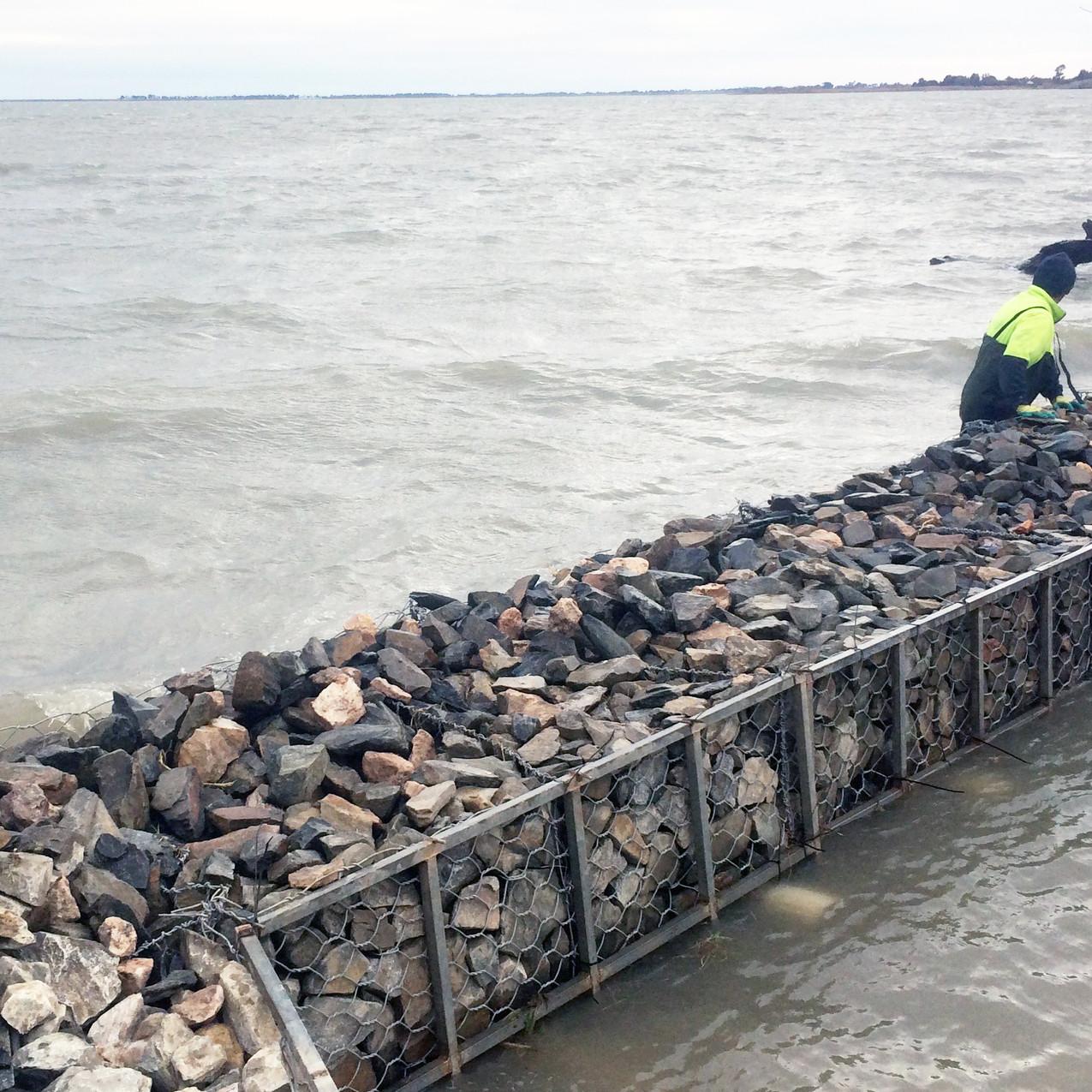 Lake Alexandrina Gabion installation