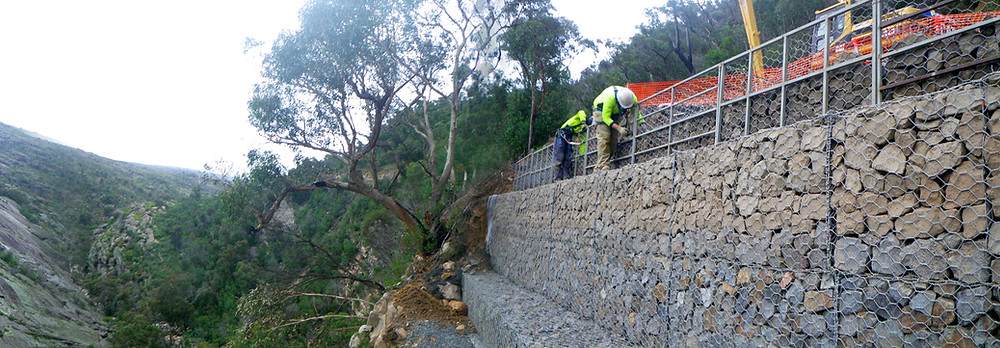 Gabion retaining walls for road stabilisation