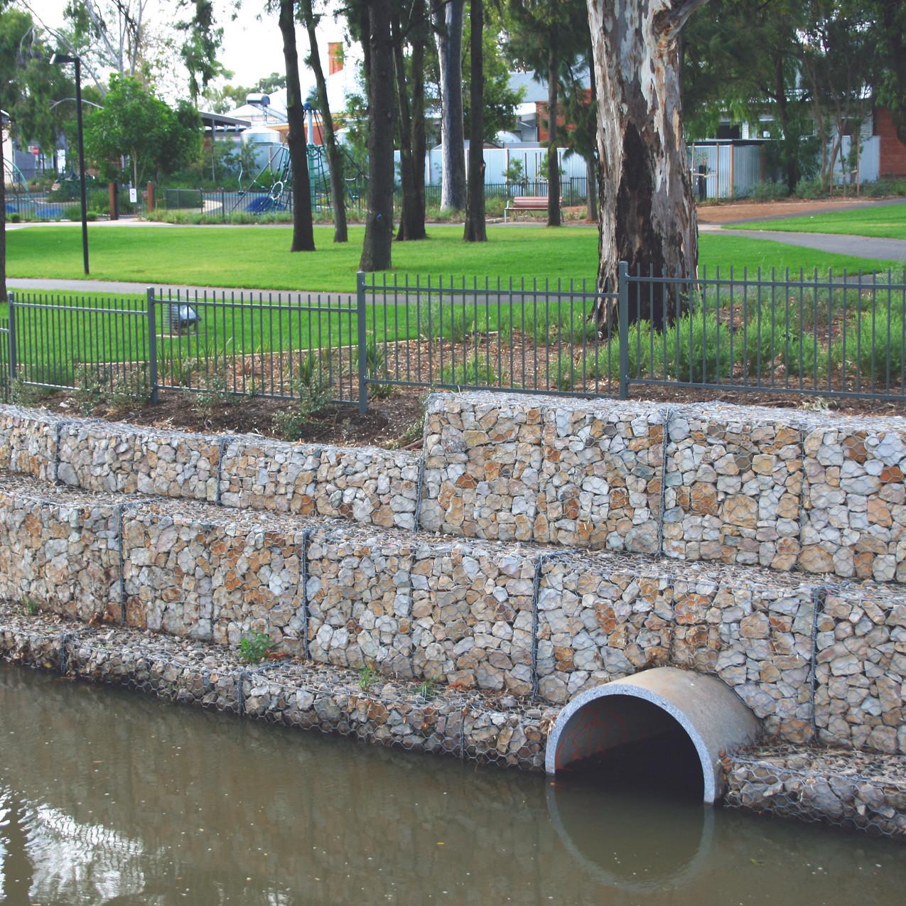 Creek Retaining Wall, Dunstone Grove
