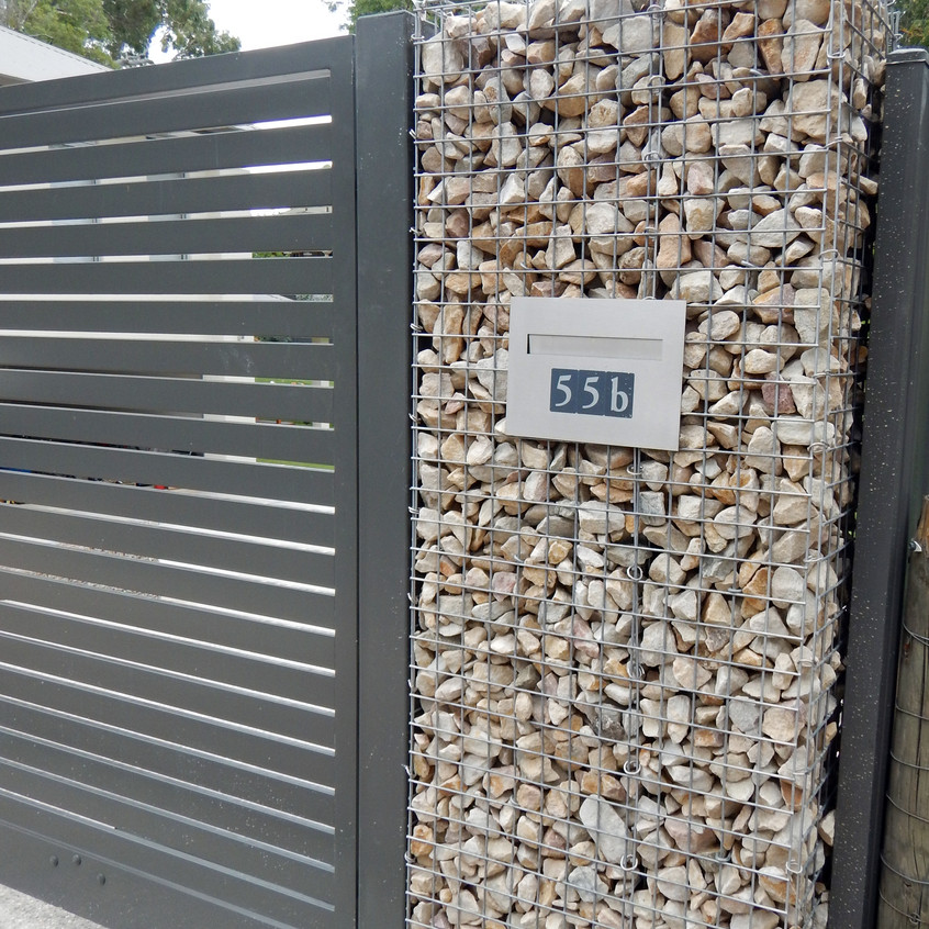 Rockweld Fence with Letterbox