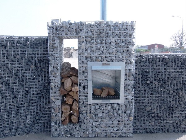 Gabion Wall with Outdoor Oven