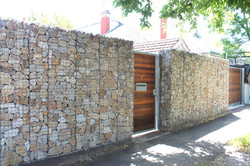 Prospect Feature Rock Wall Fence