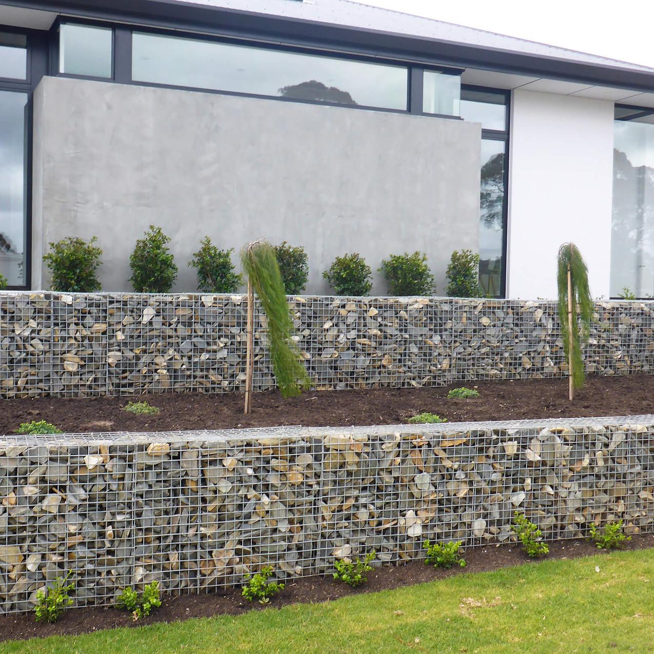 Rockweld Walls and Garden Bed