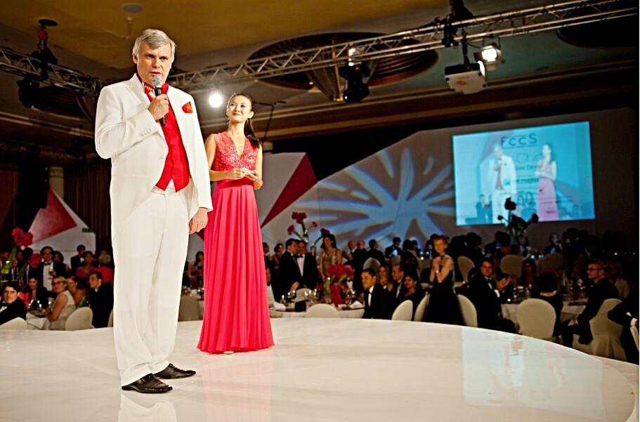 Singapore's Best Corporate Event Singer Emcee