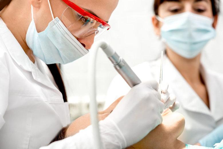 dental-cleaning-2-825x551.jpeg