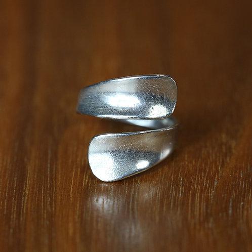 Twist Spoon ring.