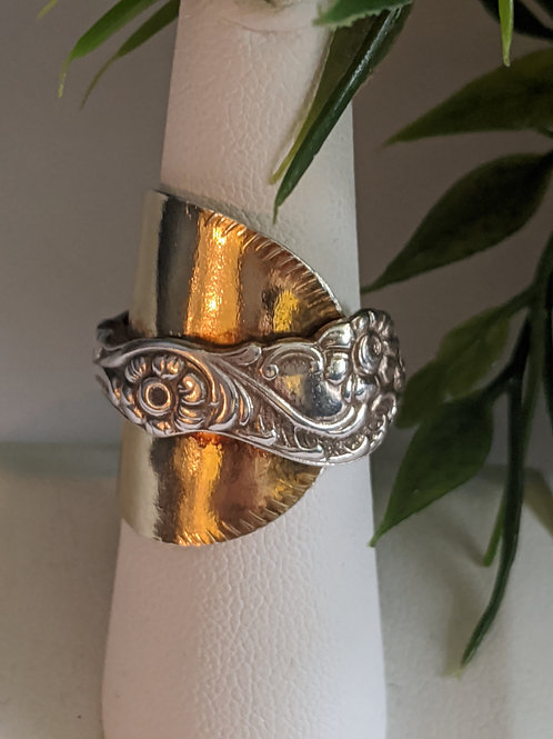Statement spoon ring. The De Flore.