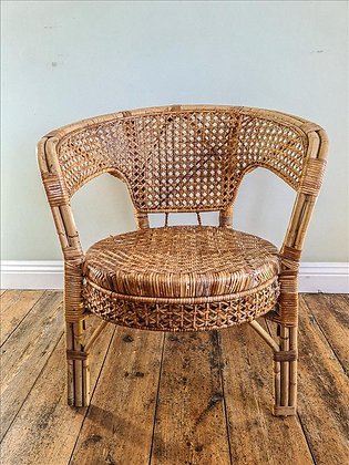 Plymouth tub chair