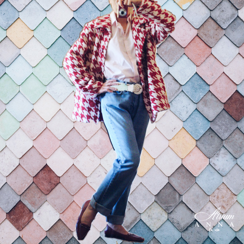 The other big favorite: in spirit of the 50s. Vintage inspired checkered wool jacket, mom jeans from Levis, an 80s white breaded belt, pink Zara button down shirt, and red leather loafers from Ann Klein
