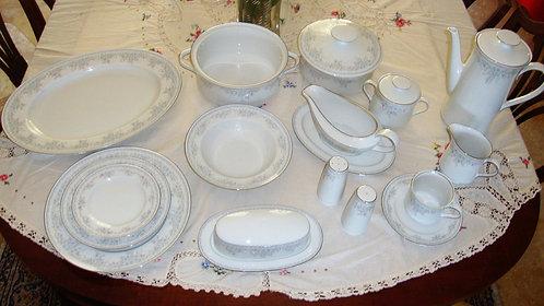 "Dining service set for 8 seats - ""Royal Lace"" by Johann Haviland, Germany. Conta"