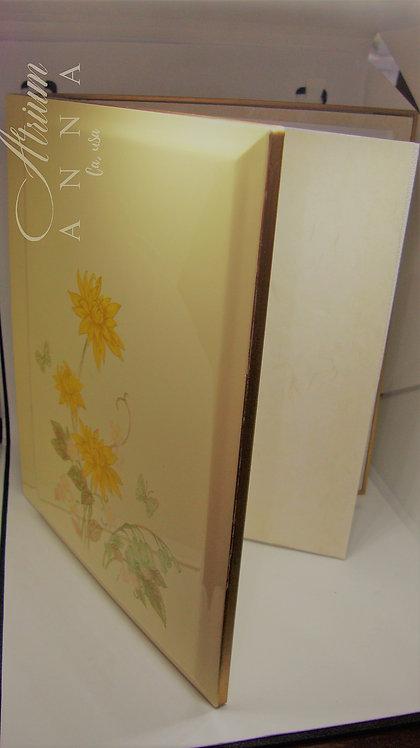 Design Gibson Greeting Cards Inc., Otagiri Japan Lacquerware Photo Album, Flower