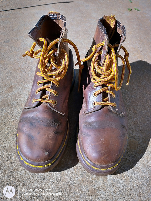 Dr. Martens Vintage 90s Brown Classic 1460 Made in England Ankle Boots, US 8