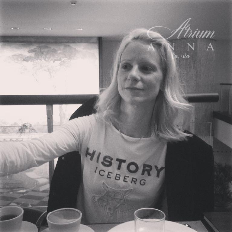 Anna Haeven in Naples, Hotel Admiral