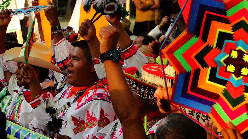 Pueblo Wixárika defendiendo Wirikuta