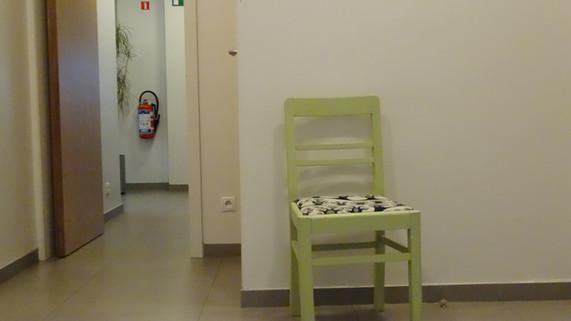 LOG-IN : de lege stoel