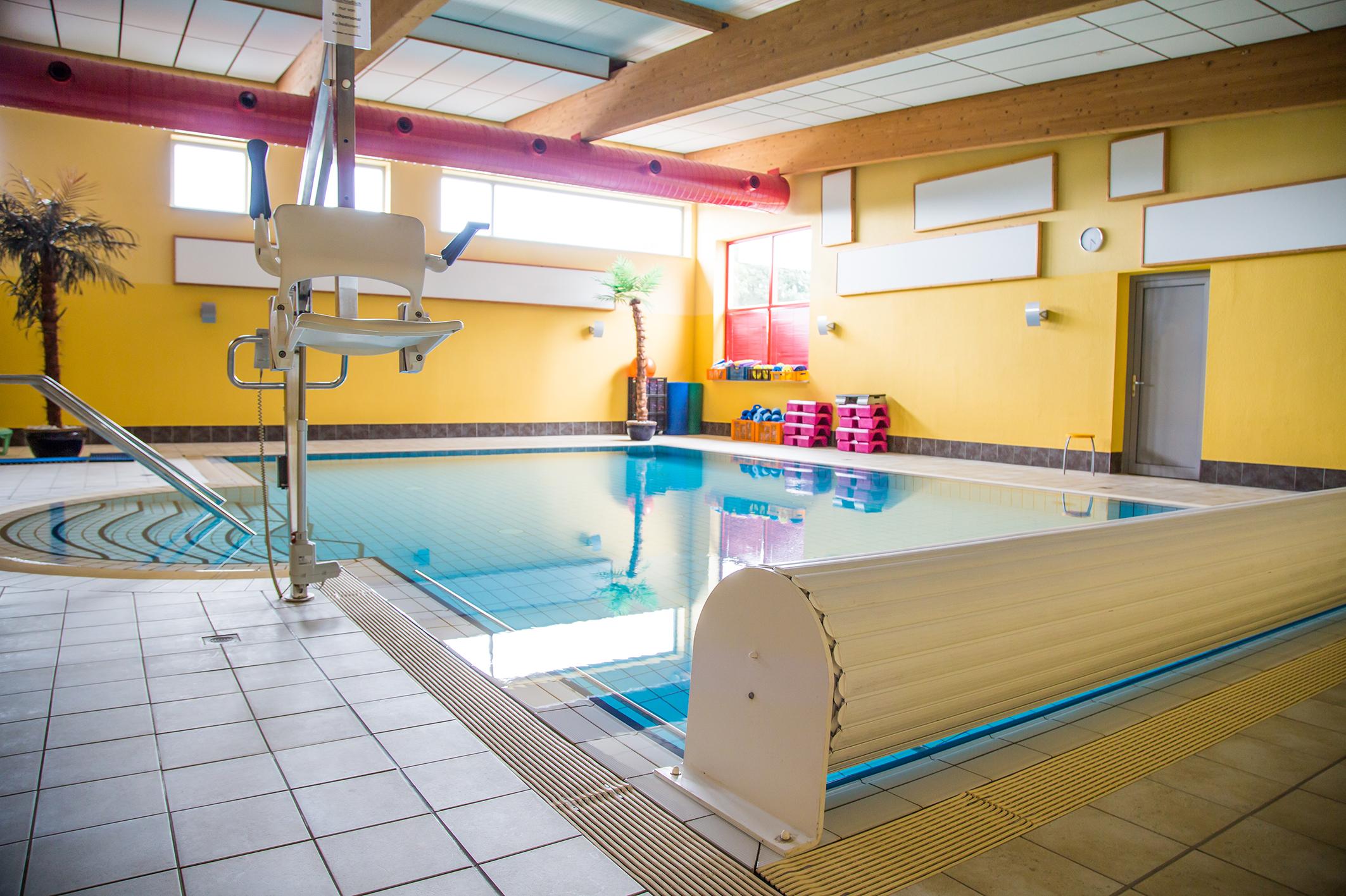 Sauna Schwimmbad NEU