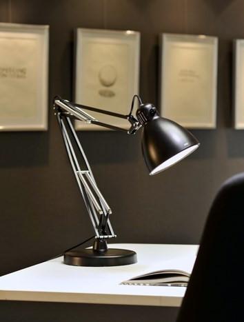 L-1 valgusti on loovisikute lemmik, seda on müüdud üle maailma üle 23 miljoni eksemplari.