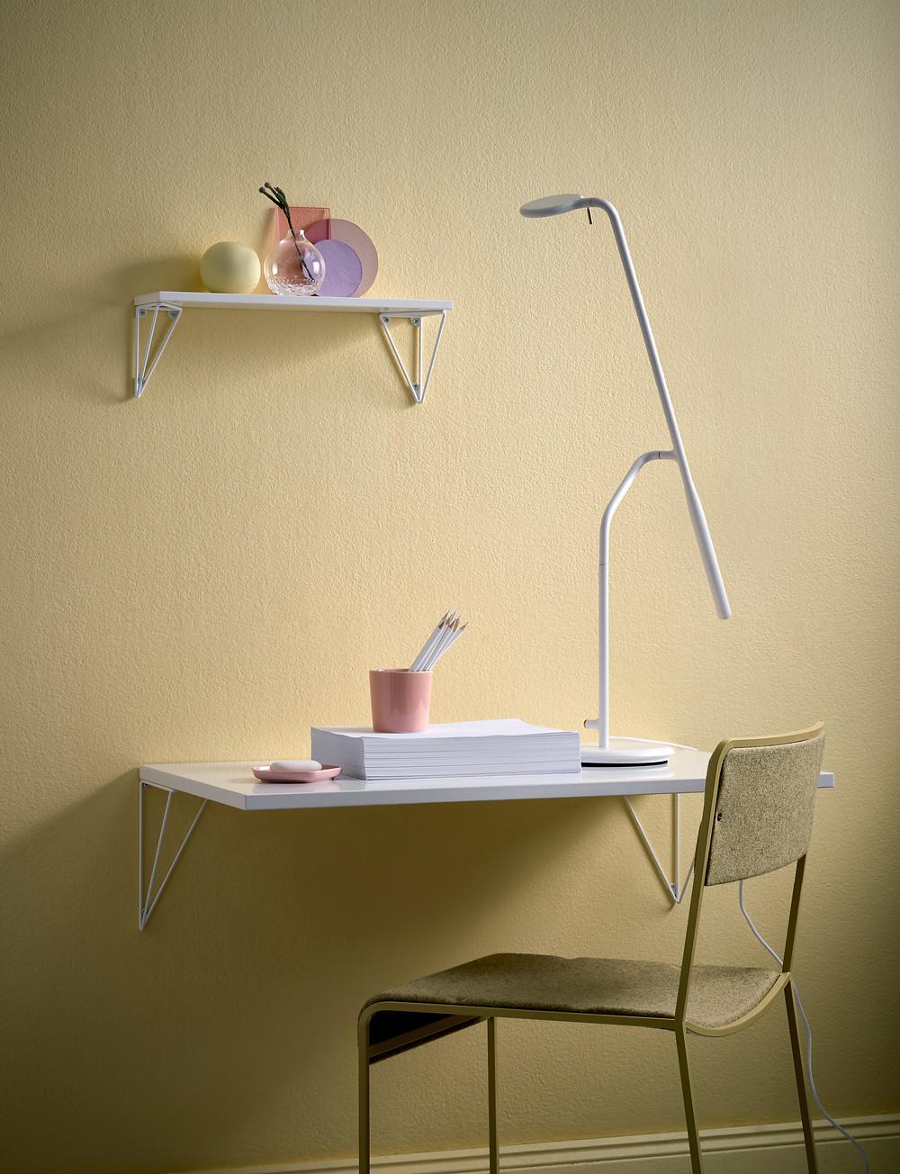 Pythagoras kirjutuslaud on praktiline just väikeses korteris, kus iga ruutmeeter on vajalik..