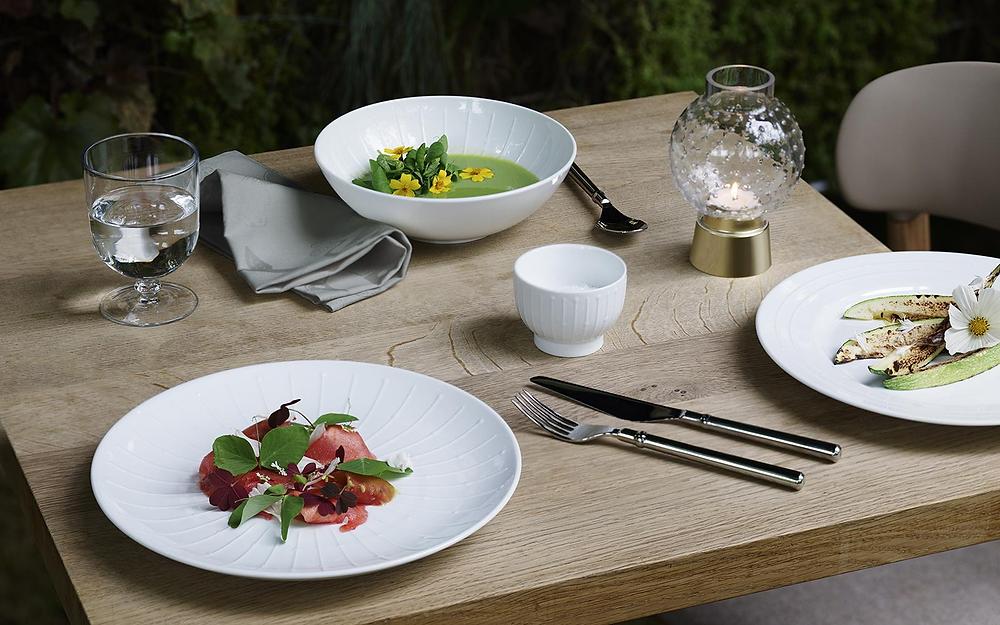 Banquet sarja kuuluvad lisaks keraamikale ka erinevad pokaalid.
