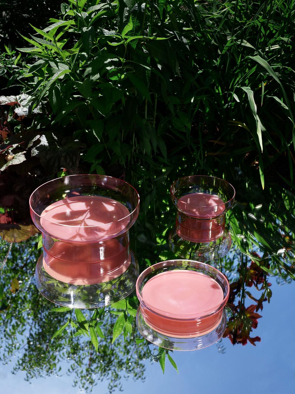 """Pond klaasist kausid on inspireeritud Tivoli tiikidest ja """"allikatest""""."""
