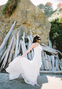 bride on oregon coast