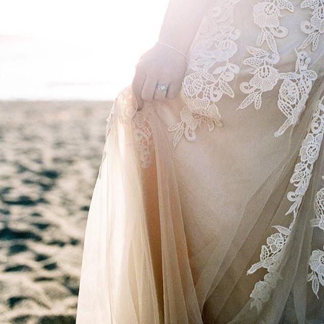 Missing warm weather! #norcalwedding #bigsur #bigsurwedding #nwwedding #elopement #smpweddings #oregonphotographer #destinationwedding #brid