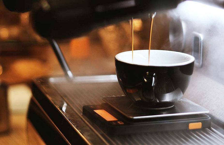 980 black-espresso-maker-with-cup OK.jpg