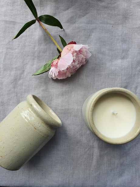 Heaven Scent Antique Ceramic Jar Candle.