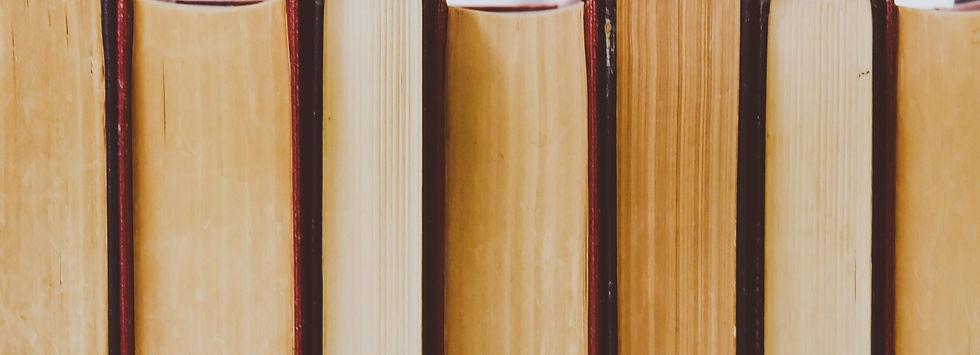 books-768125.jpg