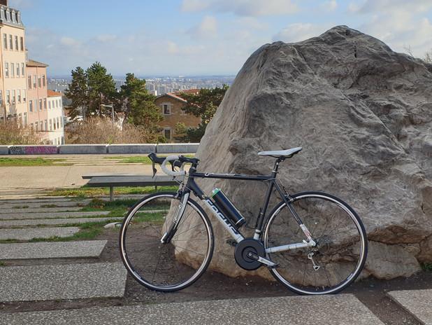 Vélo route FOCUS électrique