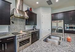 very clean kitchen.jpg