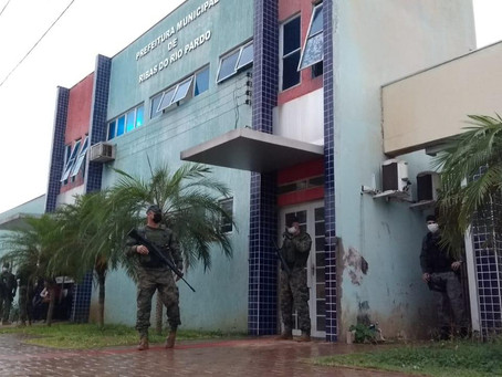 Gaeco vai a casa de prefeito de Ribas por investigação desvio de dinheiro em postos de combustíveis
