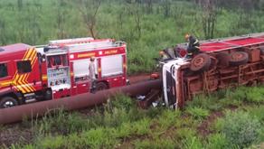 Motorista tomba caminhão e morre prensado em acidente na MS-379 entre Dourados e Laguna Carapã
