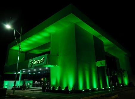 Sicredi Centro-Sul MS reinaugura agência Rio Brilhante em novo endereço