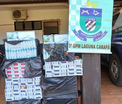 PM de Laguna Carapã apreende 2 mil maços de cigarros contrabandeados do Paraguai.