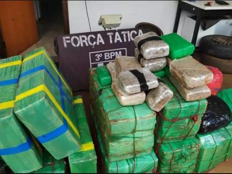 Em perseguição, traficante abandona carro com maconha avaliada em R$ 1 milhão na MS 379