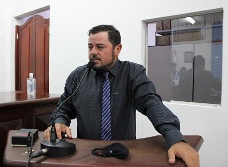 Vereador Valmor Flores solicita obras em quadras esportivas nas aldeias de Laguna Carapã