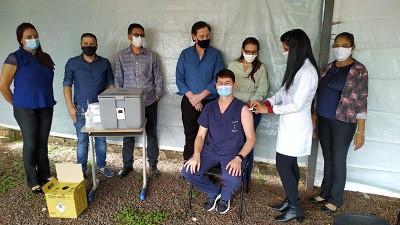 Laguna Carapã inicia vacinação contra covid-19