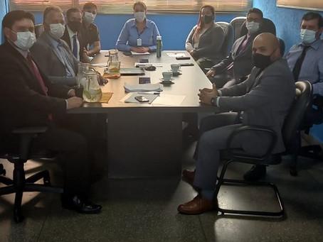 Vereadores realizam reunião com a Diretora de Tributos de Laguna Carapã