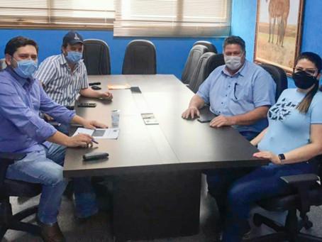 Vereadores recebem empresários para debater projetos para o município