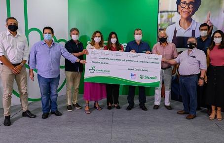 Sicredi Centro-Sul MS entrega doação para Hospital de Amor em Dourados