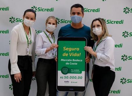 Sicredi Centro-Sul MS entrega prêmio a associado de Ponta Porã ganhador no sorteio do Seguro de Vida