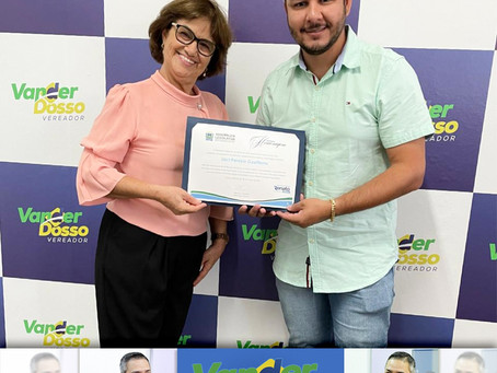 Vereador Vander Dosso representa Deputado Renato Câmara e entrega homenagem do Dia da Mulher