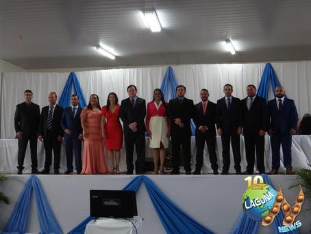Prefeito, vice e vereadores tomam posse em solenidade restrita em Laguna Carapã