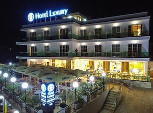 hotel luxury.jpg
