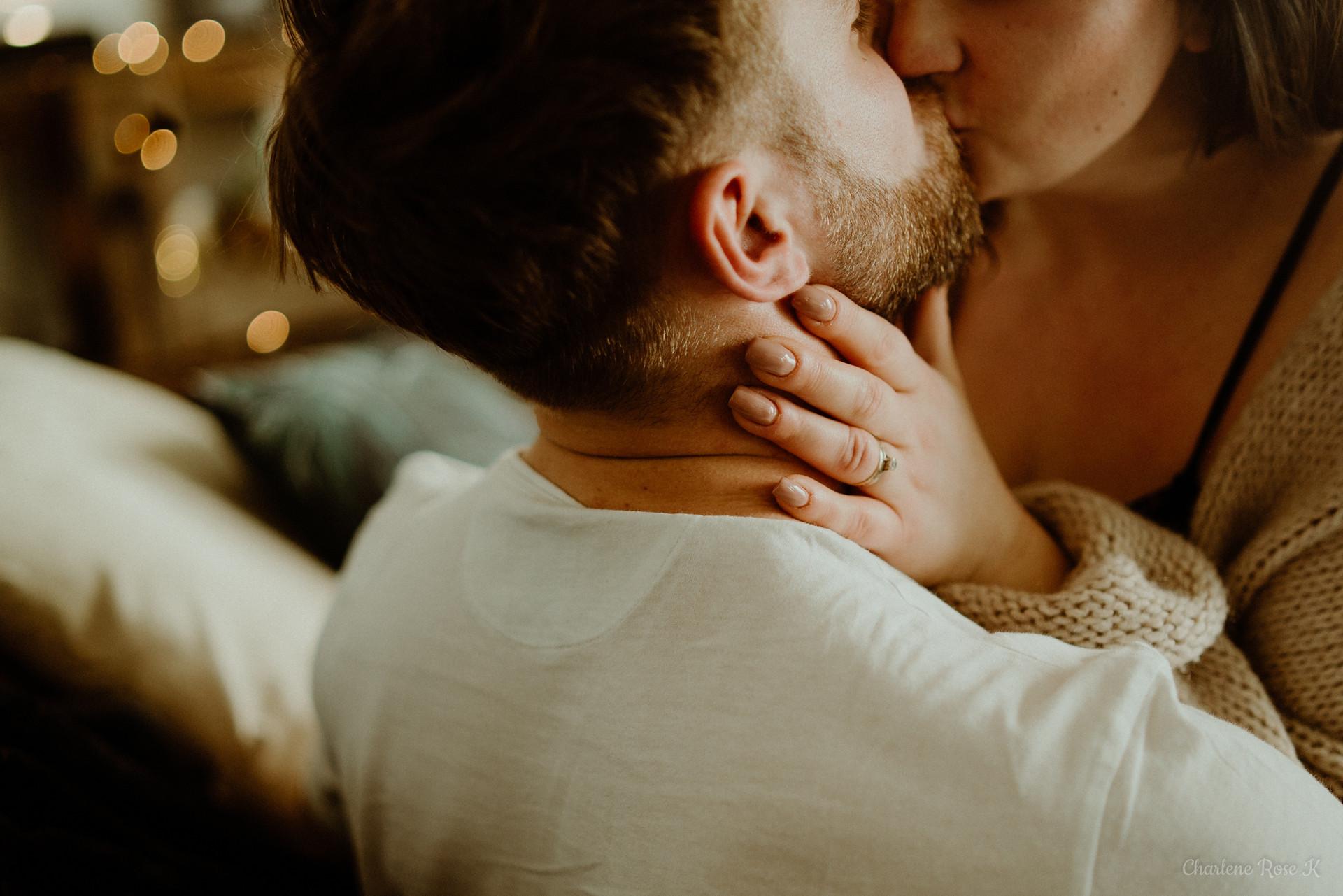 photographe,troyes,aube,couple,lifestyle,domicile,intimiste,sensuel,canapé,passion,charlene,rose,k