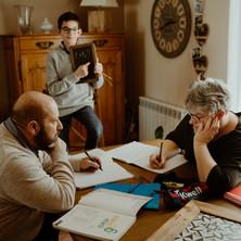 Photographe à Troyes, séance photo famille originale et drôle à domicile