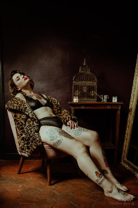 seance,photo,troyes,boudoir,intimiste,femme,bodypositive,sensualité,tatouages,domicile,charlene,rose,k