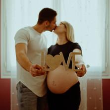 Photographe à Troyes, séance photo grossesse en couple à domicile